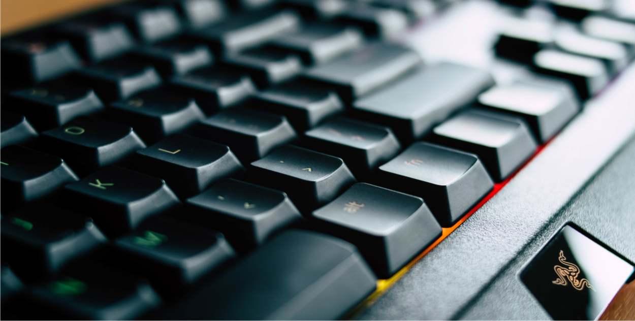 tastiera per scrivere al computer